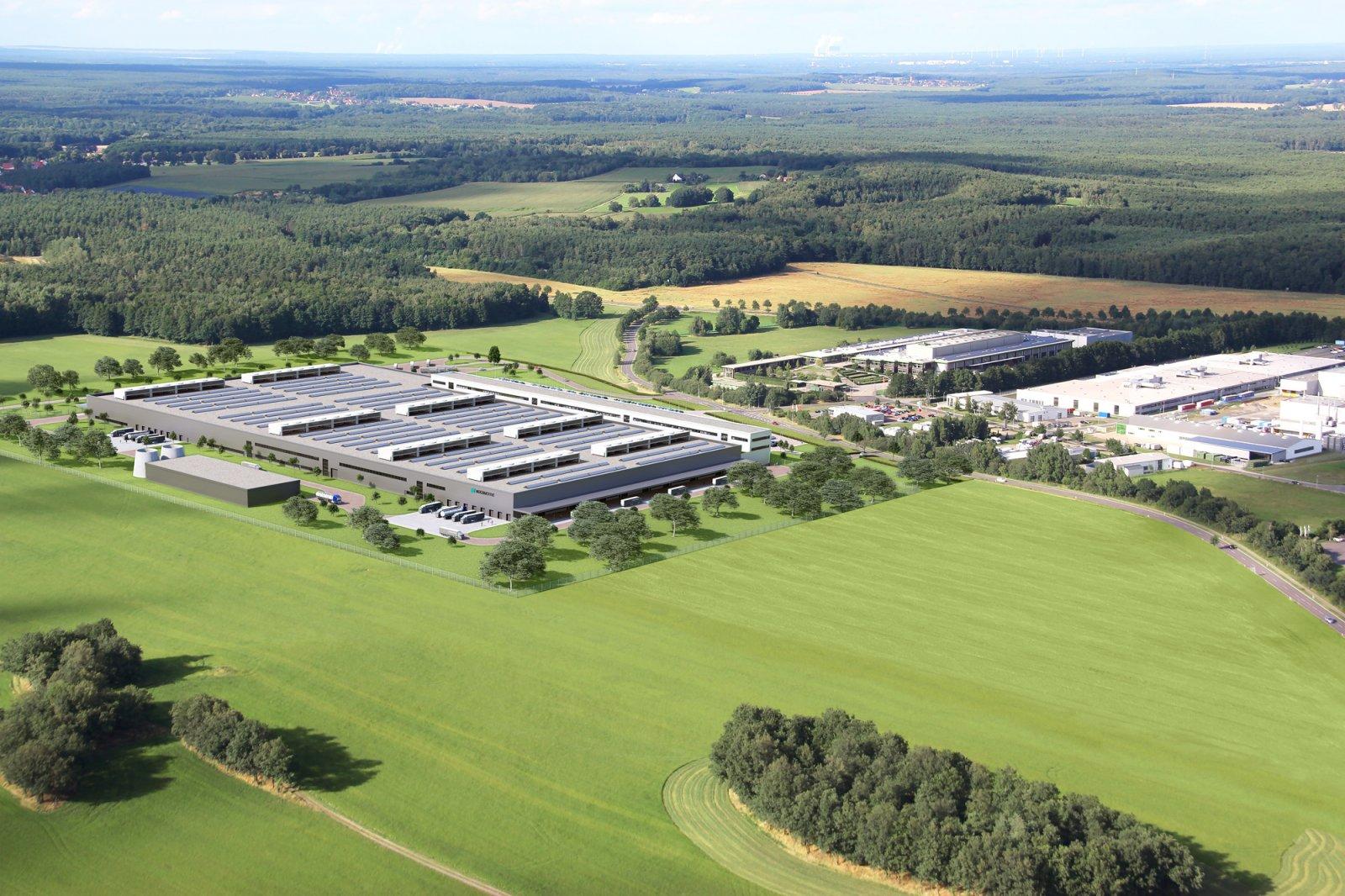 Expansionen i Kamenz fortsätter och fem miljarder kronor investeras i ytterligare en batterifabrik som byggs just nu. Den totala ytan blir mer än 80.000 kvadratmeter