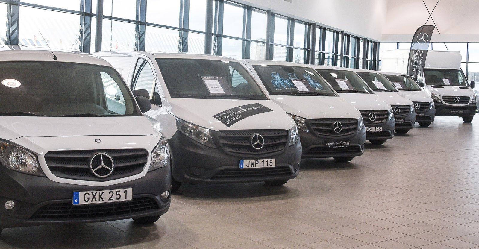 Hos Hedin Bil i Helsingborg har man alltid minst ett 10-tal Certified transportbilar för omedelbar leverans.