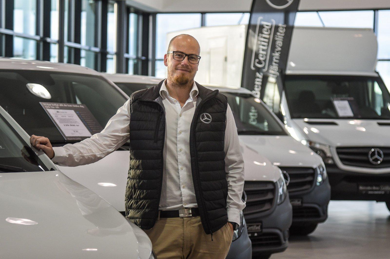 Christian Friis ansvarar för begagnade transportbilar på Hedin Bils transport och lastbilscenter i Helsingborg.