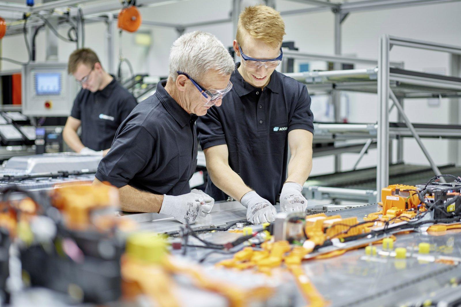 Alla Mercedes-benz anläggningar i Tyskland kommer att drivas med förnybar energi redan 2022.