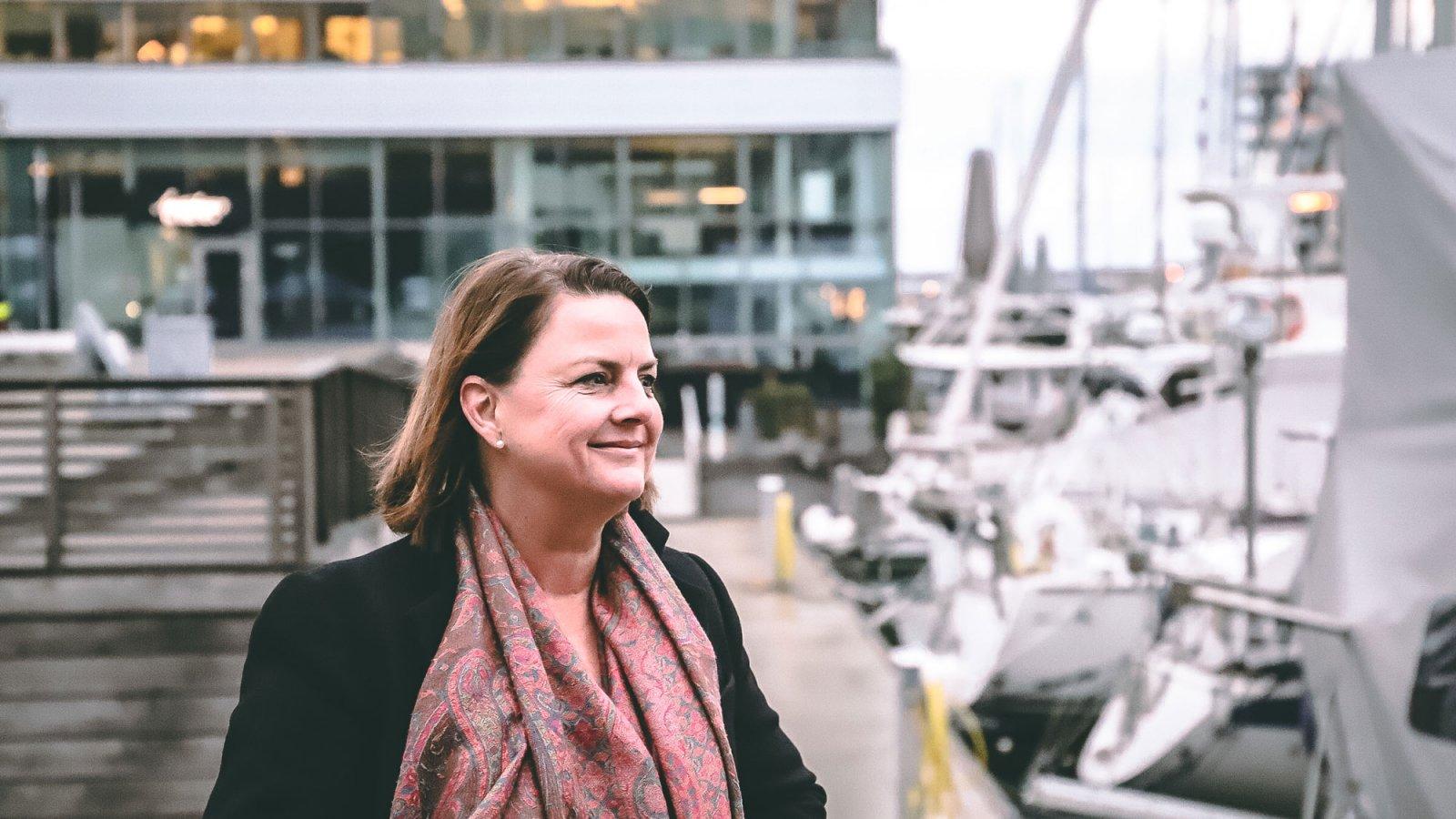 Louise Grimsgård är specialist på frågor om laddningsinfrastruktur hos Mercedes-Benz.