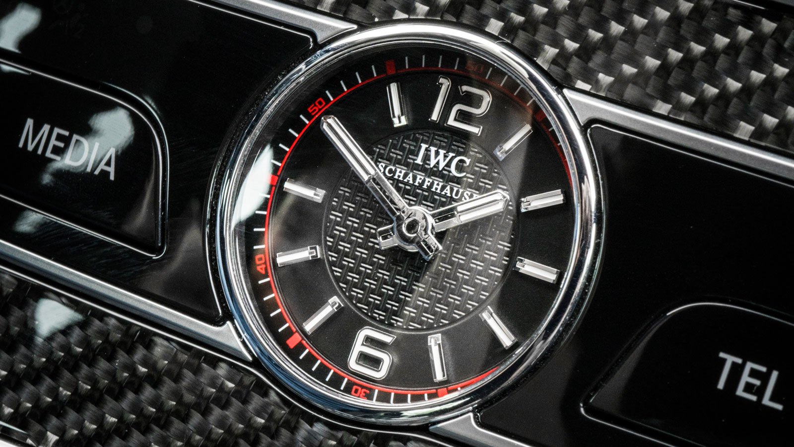 För att ta en detaljbild på IWC klockan i E63s AMG användes ett macroobjektiv.