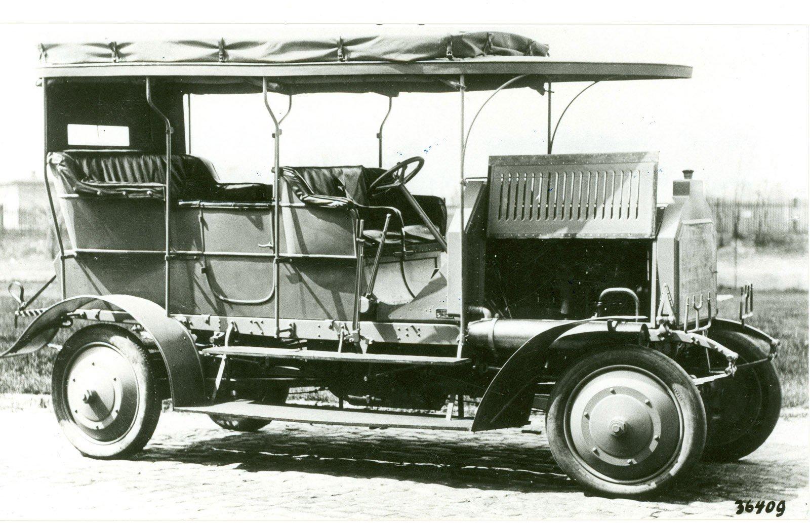 Världens första fyrhjulsdrivna bil – Dernburg-Wagen 1907.