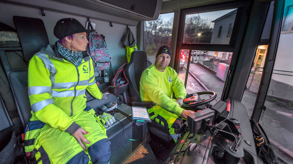 garbage-trucks-run-on-biogas-in-stockholm-940-01