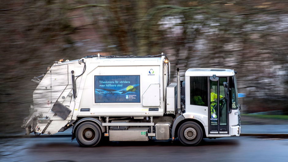 garbage-trucks-run-on-biogas-in-stockholm-940-04