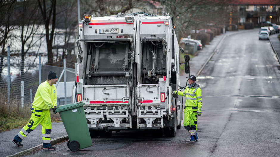garbage-trucks-run-on-biogas-in-stockholm-940-06
