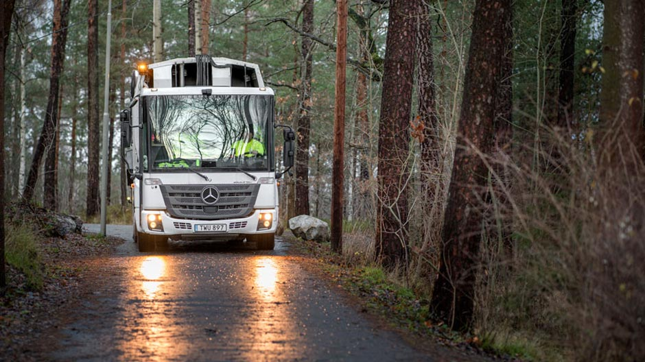 garbage-trucks-run-on-biogas-in-stockholm-940-09