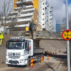 trsupport-in-stockholm-goes-all-arocs-300-02