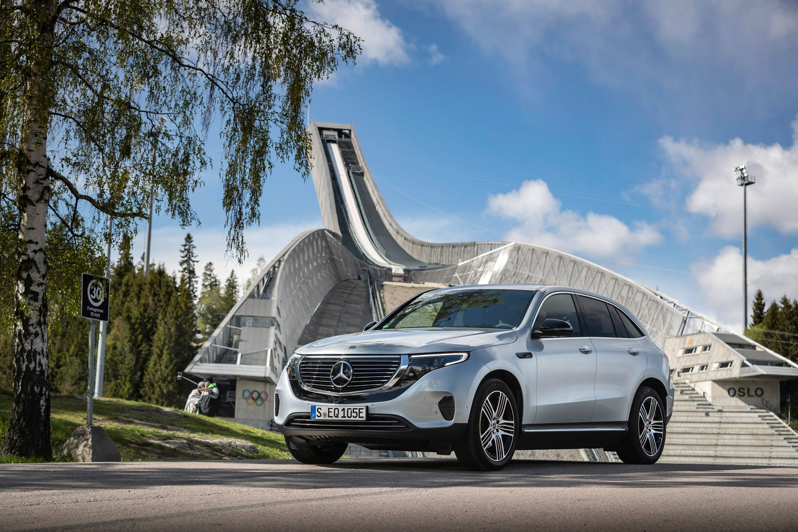 mercedes-benz-eqc_014