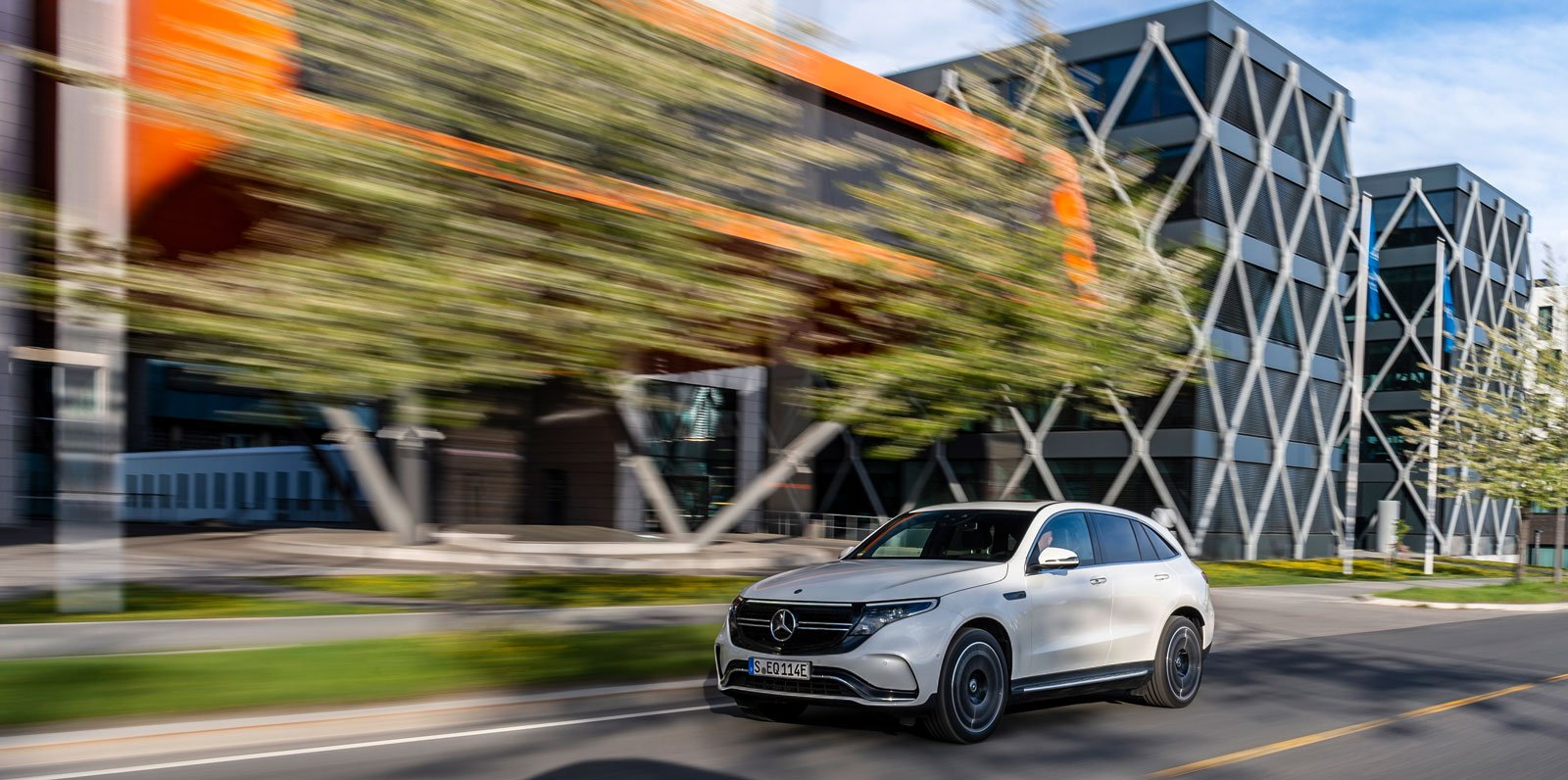 mercedes-benz-eqc_019