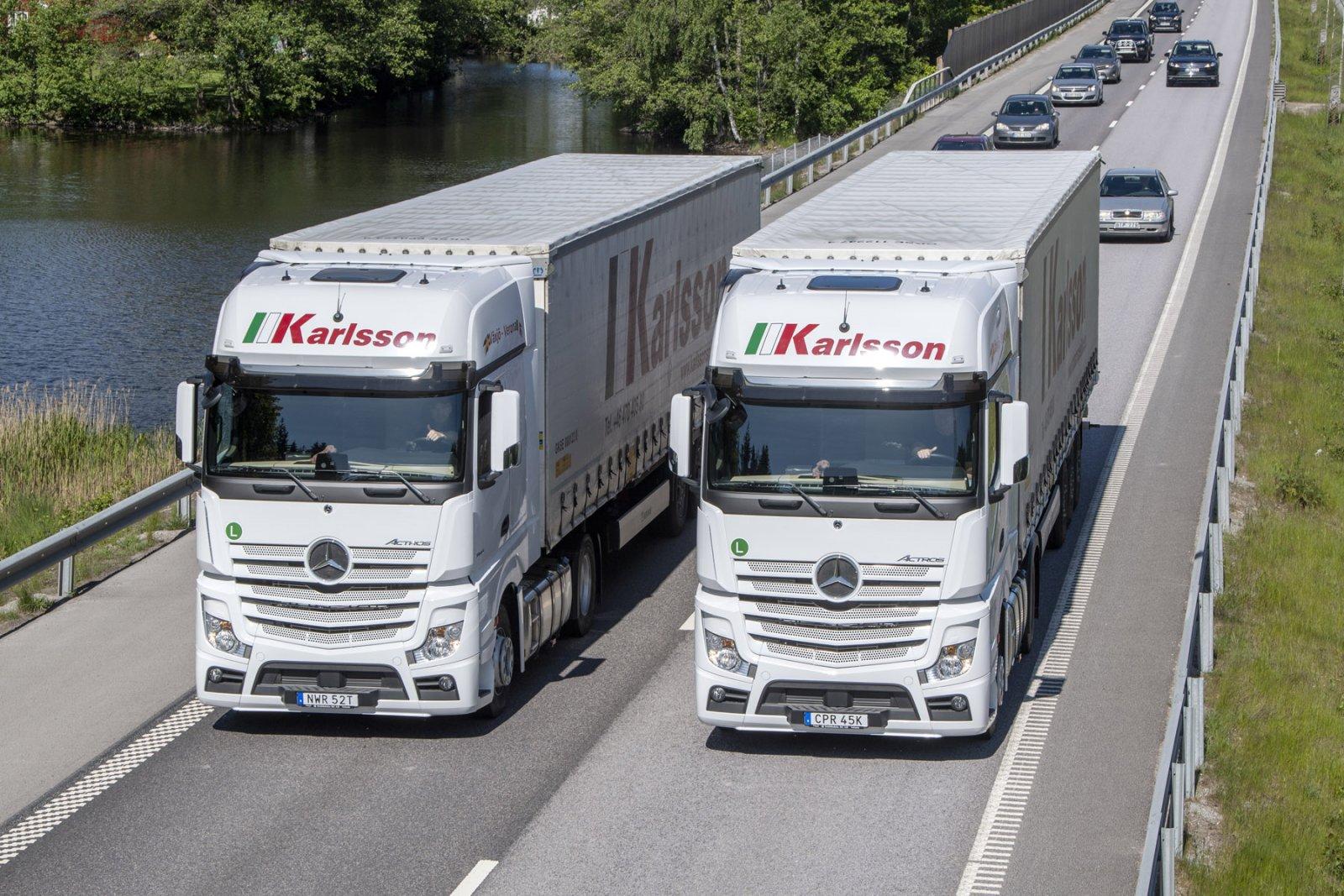 Karlsson Transport & Spedition har 27 Mercedes-Benz Actros som går i trafik mellan Växjö och Verona.