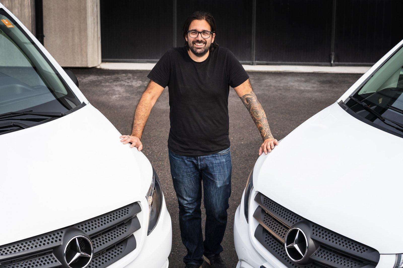 El-Cures har fem Mercedes-Benz Vito