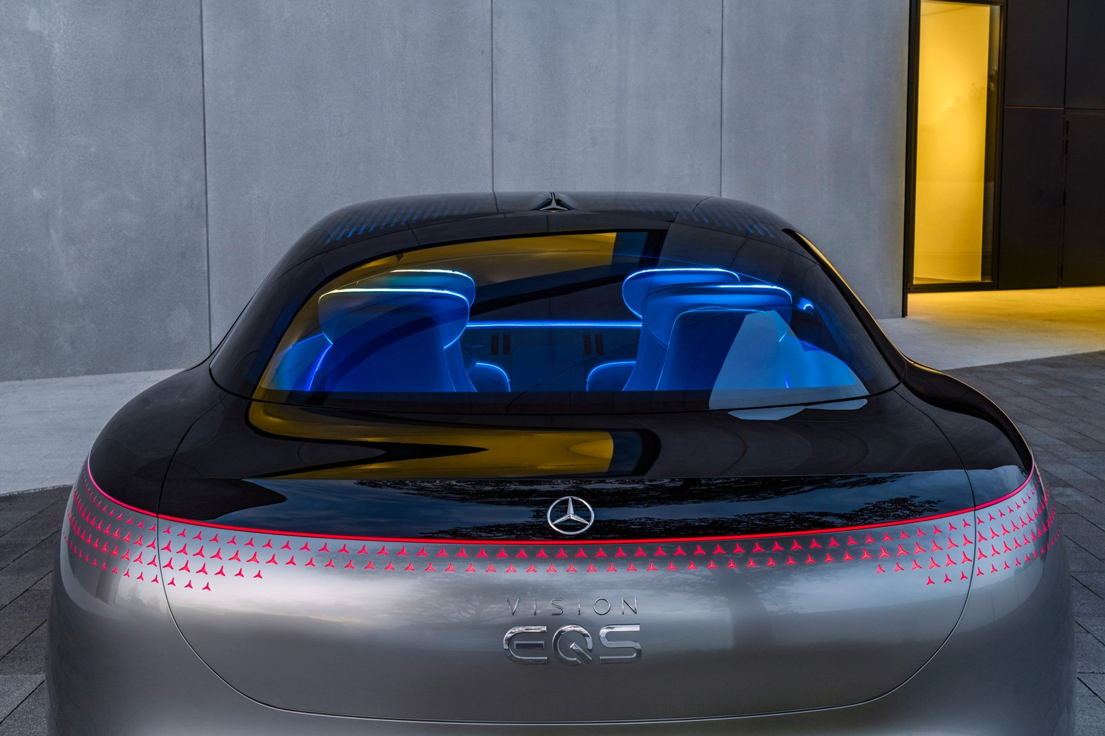 mercedes-benz-vision-eqs-04