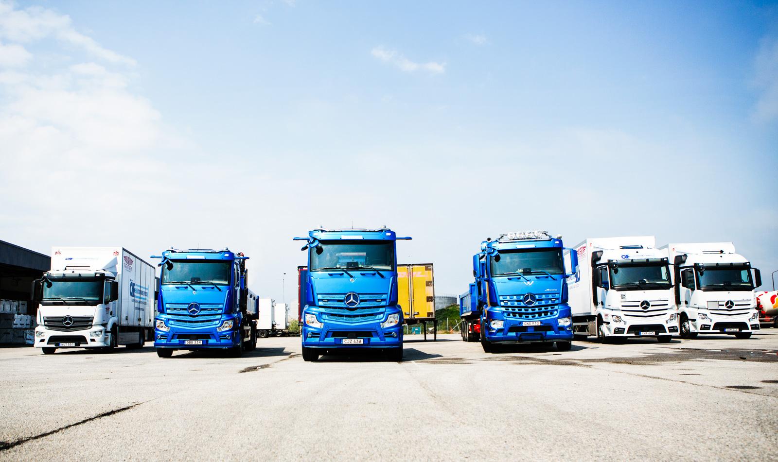 Att Transportenheten kombinerar distribution och anläggningsbilar är ovanligt men det är en fråga om ekonomi.