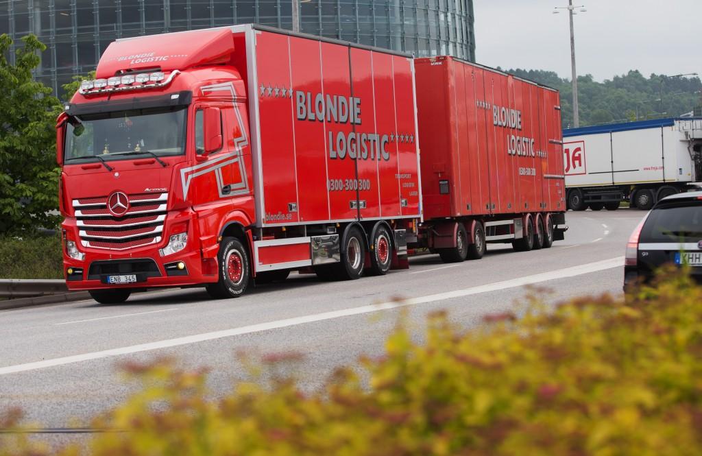GÖTEBORG 2014-06-11 Blondie Logistic, Mercedes Actros. Foto: Andreas Hillergren