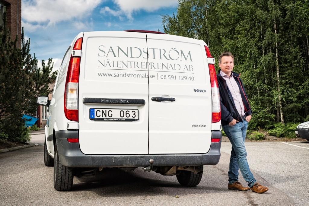 """""""Eftermarknaden är hetare för Mercedes-Benz och det är en anledning till att totalekonomin blir bättre för oss"""", säger Niklas Sandström, VD för Sandström Nätentreprenader."""