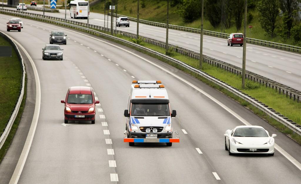 Sprinter mätbil på väg någonstans i Sverige.