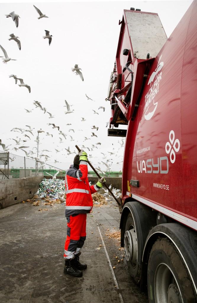 Cirkeln sluts – matavfallet blir biogas som driver sopbilen. Foto: Ola Torkelsson.