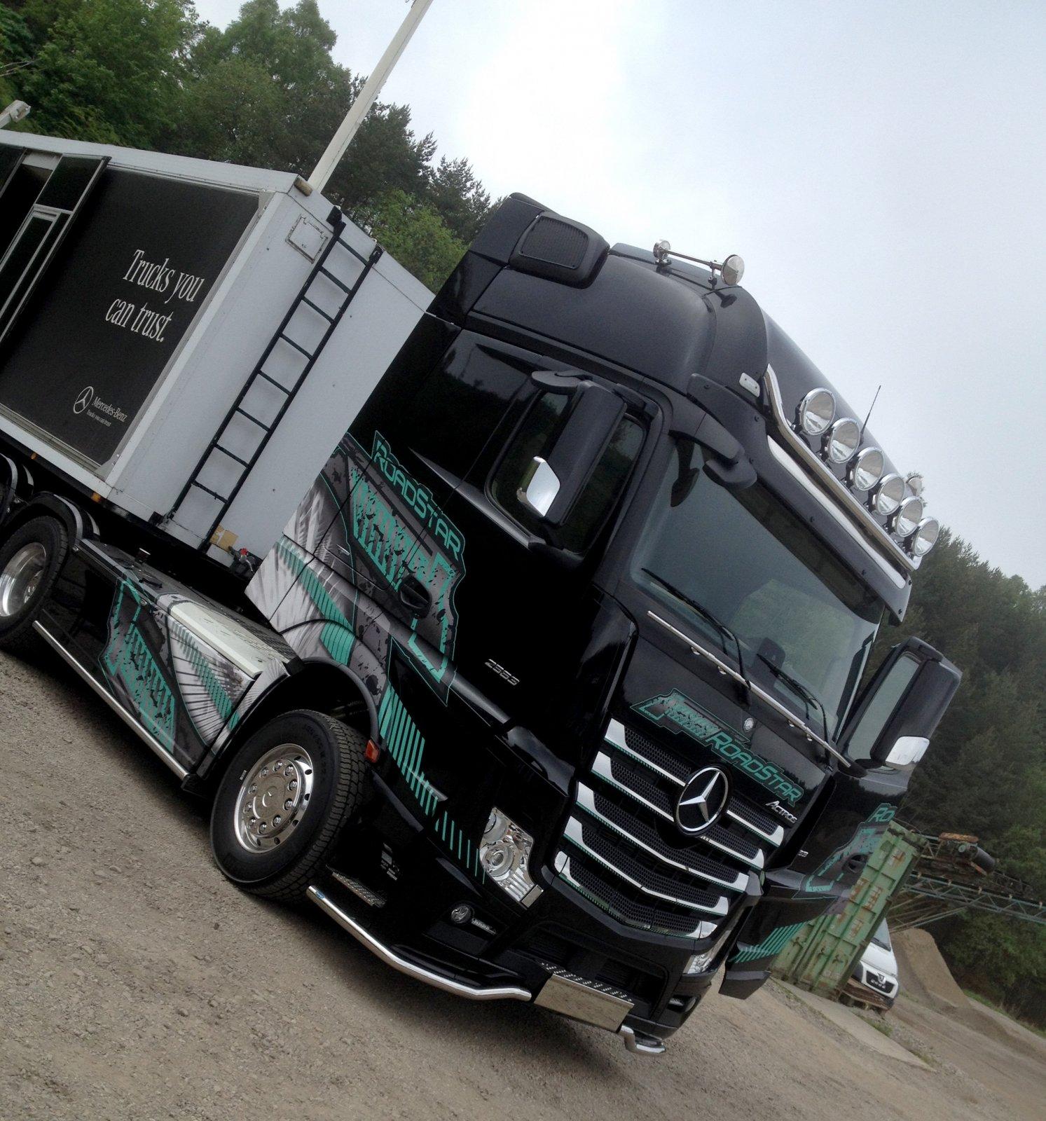 RoadStar Actros 2563