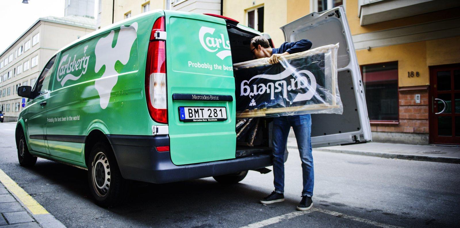 – Vi använder oss av Vito eller Sprinter och hyr dem mellan allt från några dagar till upp till ett helt år, säger Pär Arvered, byråpartner och försäljningsansvarig på Knut Kommunikation.