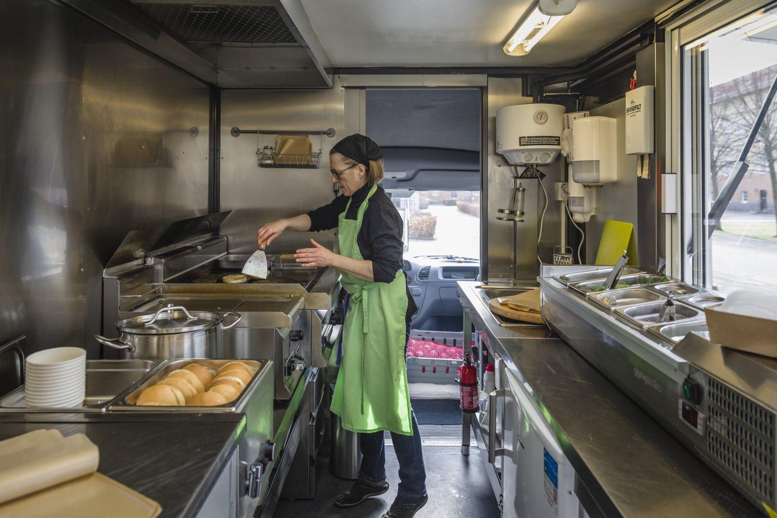 – Jag är jättenöjd med Sprintern. Naturligtvis är det lite småjusteringar i köket som måste göras efter hand, när man kommer på saker i köket som man vill förbättra eller fixa till.
