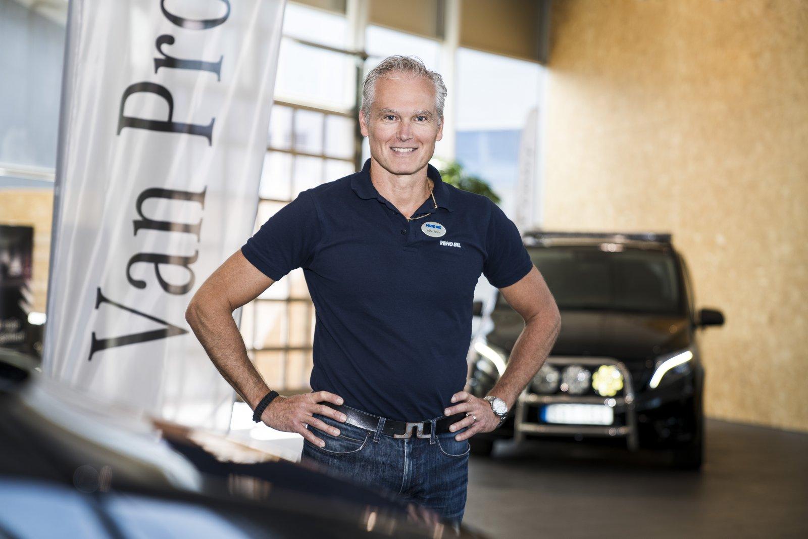 – Men vi vill ju att bilen ska vara ett perfekt verktyg för kunden, säger Stefan Åström, försäljningschef