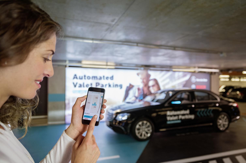 Automatisk parkering i flervånings parkeringshus blir verklighet redan 2018.