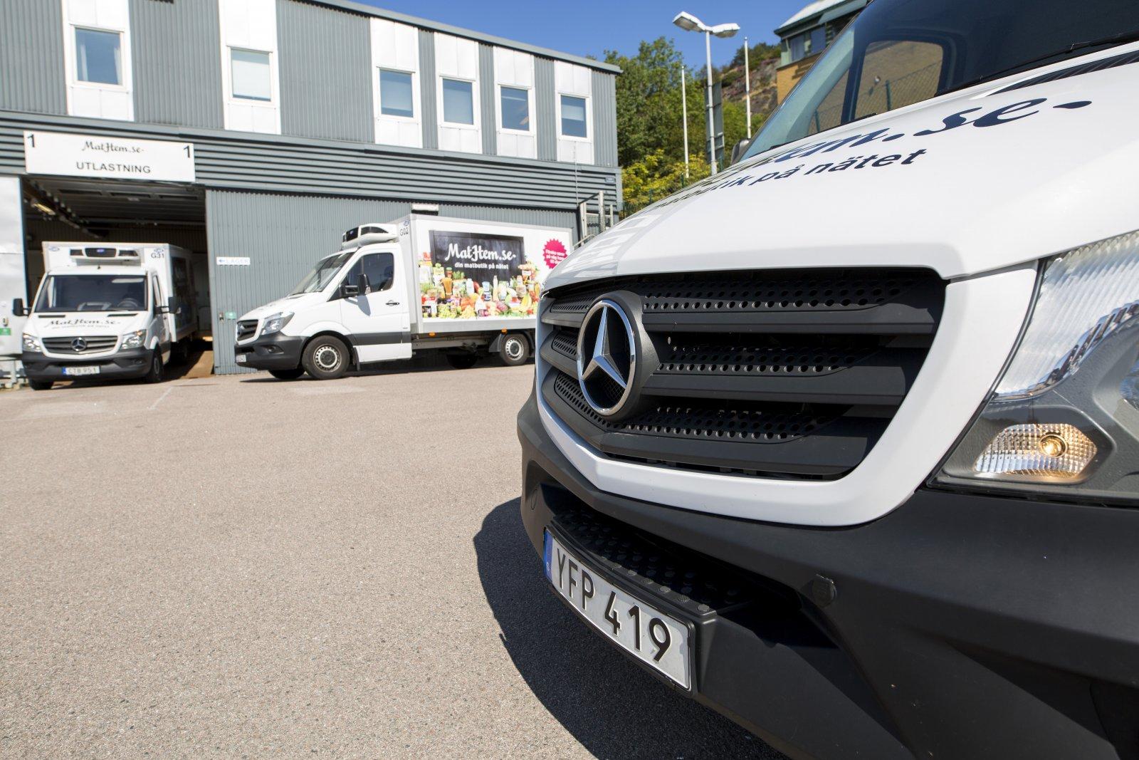 Från Mathems utlämningsställe i Göteborg rullar 20 Sprinter ut med varor till kunder.