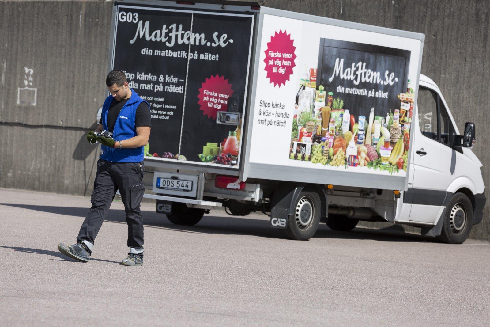 Jano Issa är en av Mathems chaufförer. Foto: Therese Björkbacke