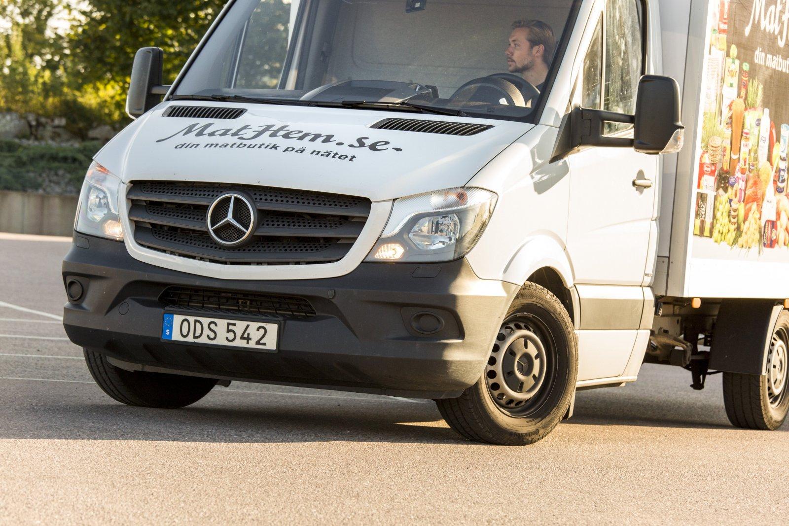 Oscar Klock är en av Mathems chaufförer. Foto: Therese Björkbacke