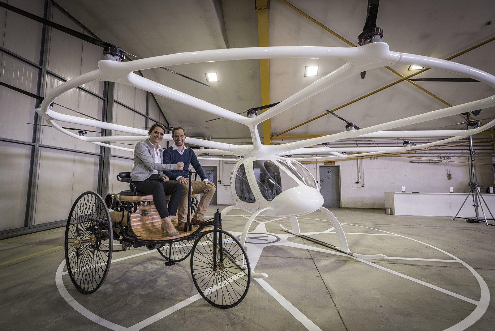 Lab 1886 är en referens till när Gottlieb Daimler och Carl Benz uppfann bilen år 1886.